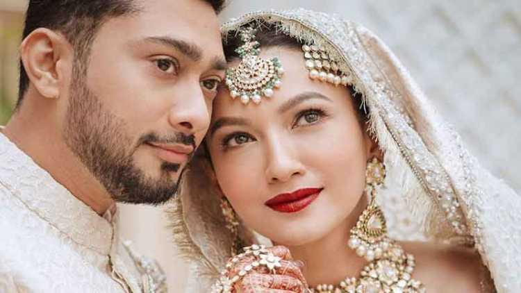 گوہر خان ,اپنے شوہر زید دربار کے ہمراہ