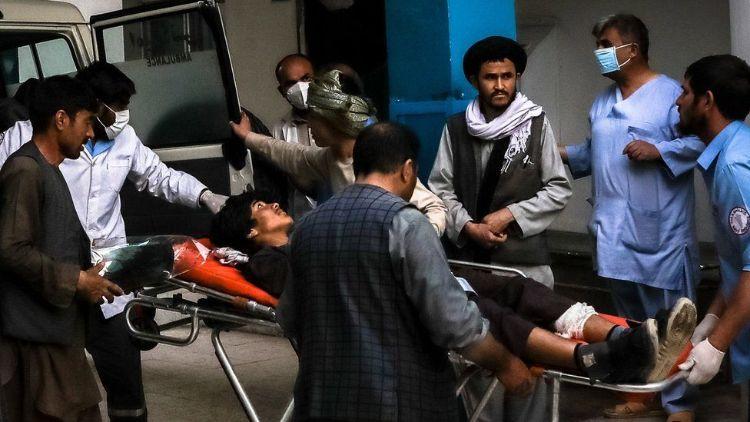 کابل کے ایک سکینڈری ا سکول کے قریب ہونے والےدھماکوں میں ہلاکتوں کی تعداد 50 سے زائد ہو چکی ہے۔
