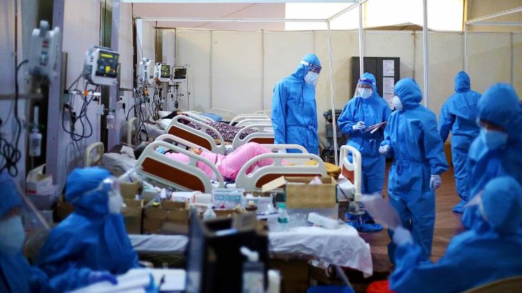 کورونا  کے خلاف جنگ  میں ڈاکٹروں کی بڑی تعداد  کام  آئی