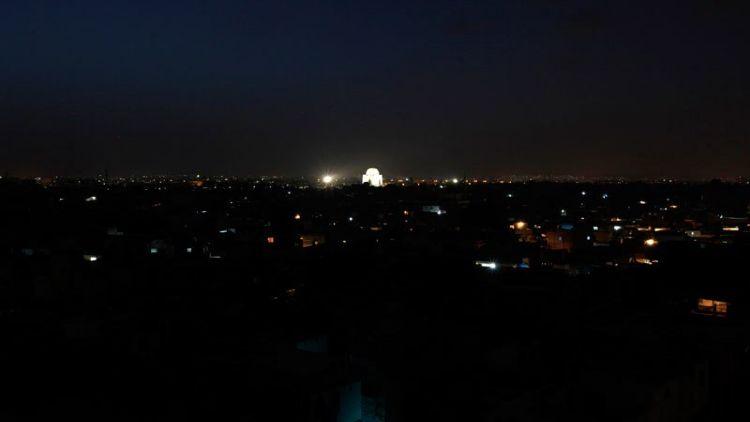 تاریکی میں ڈوبا کراچی
