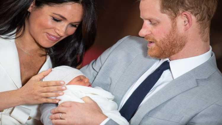 شہزادے ہیری اور ان کی اہلیہ میگھن مارکل کے ہاں بیٹی کی پیدائش۔