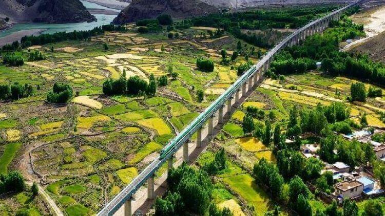 تبت میں چین کی ٹرین