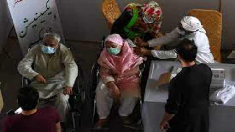 پاکستان میں ویکسین لگانے کی رفتار بہت سست