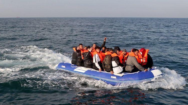 پناہ گزینوں پر لگام