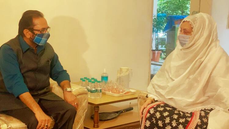 مرکزی وزیر نقوی کی سائرہ بانو سے ملاقات