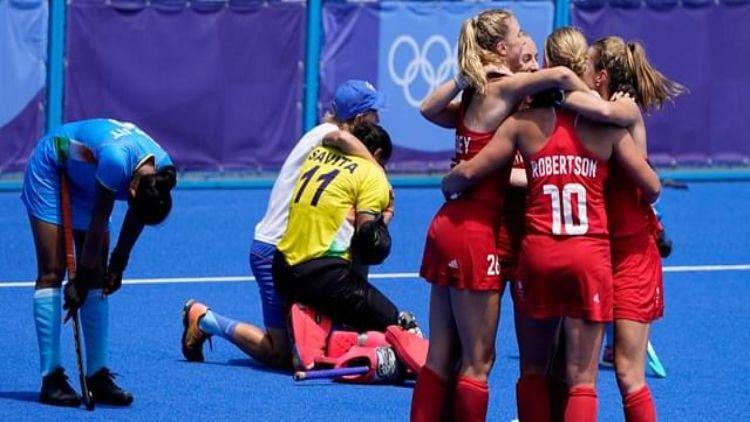 #womenhockeyindia