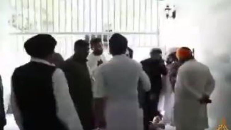 طالبان رہنما نے کیا گرودوارہ کا دورہ
