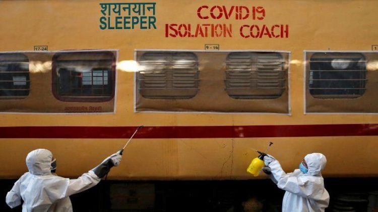 ریلوے نے دہلی کو 1200 بستروں کے ساتھ 75 کوویڈ کوچ دئے