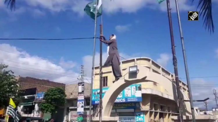 (مقبوضہ کشمیر میں آزادی کے نعرے ( فائل فوٹو