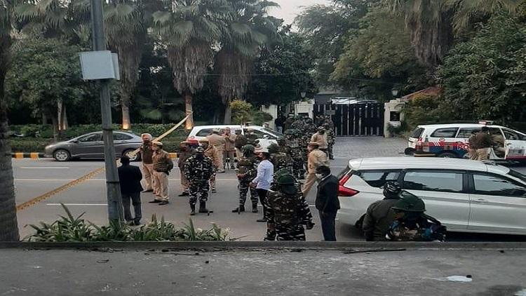دہلی پولیس کی جانچ جاری
