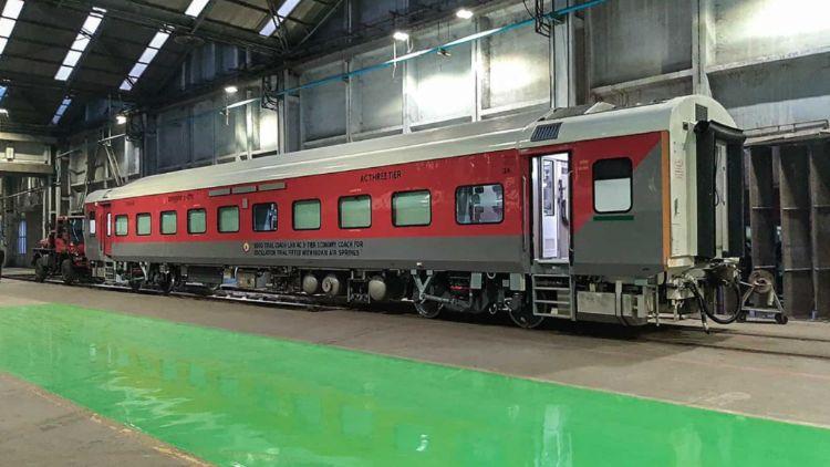 بھارتی ریل کی پروڈکشن یونٹ نے اے سی تھری ٹیئر اِکونومی کلاس کوچ کی شروعات کی