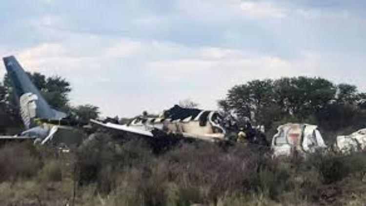 میکسیکو میں فوجی طیارہ گر کر تباہ