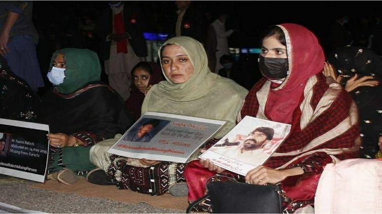 اسلام آباد کی سڑکوں پر بلوچی باشندوں کا دھرنا