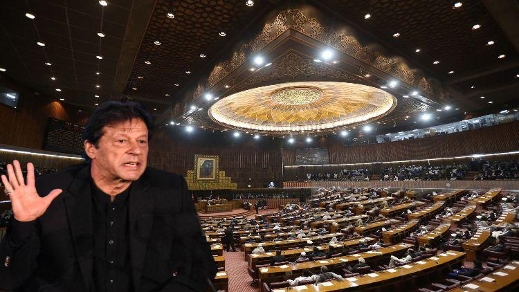 پاکستانی سیاست  کا تماشہ