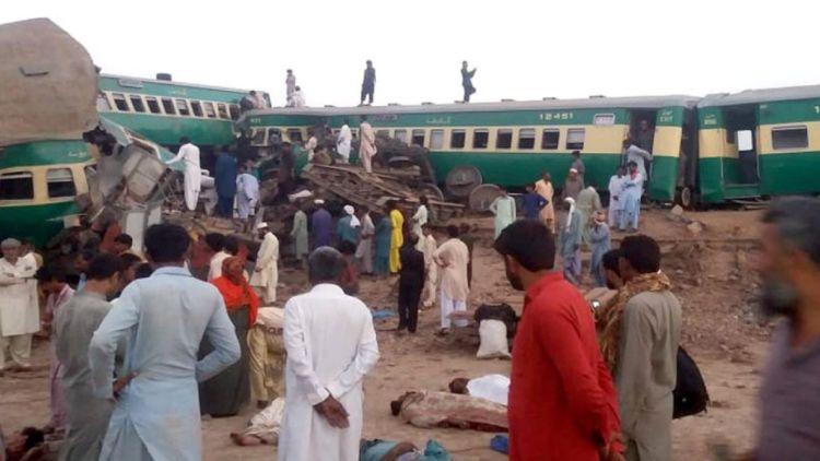 حادثے کا شکار ہونے والی کراچی ایکسپریس کراچی سے لاہور جا رہی تھی